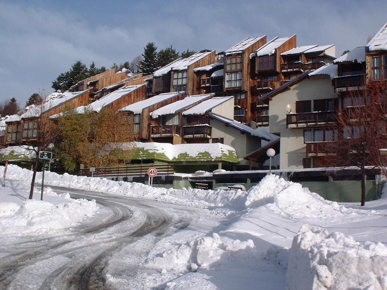 Lex immobilier font romeu vente et location vacances for Piscine font romeu